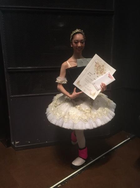 第100回NAMUEバレエこにおいて、高校生の牧野七帆が第3位とWinter F estival in Manerba de Gardaとバレエ検定賞を受賞しました。